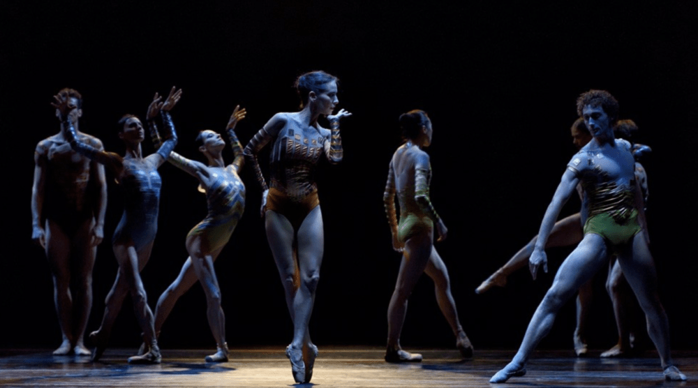 An image from a performance of 'Encount3rs' - three new ballet scores and choreographies commissioned by Alexander Shelley and the NAC Orchestra