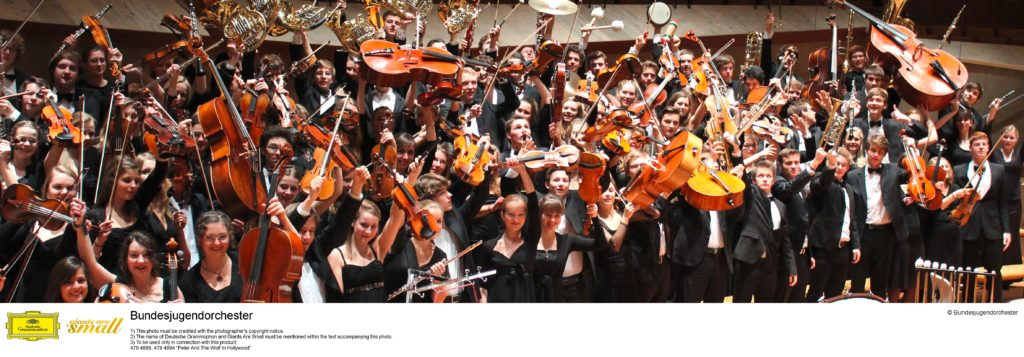 Alexander Shelley and Germany's National Youth Orchestra (Bundesjugendorchester) during recording of their album 'Peter and the Wold in Hollywood'