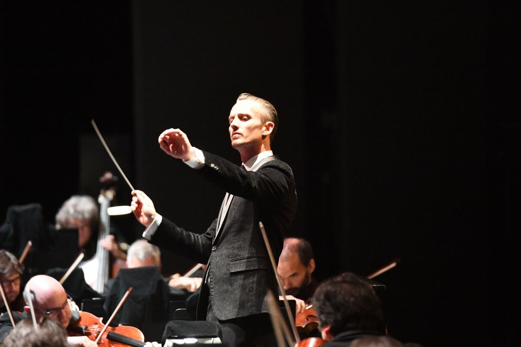 Music Director Alexander Shelley in concert with Canada's National Arts Centre Orchestra
